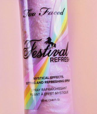 Festival Refresh - jednorożcowa mgiełka do twarzy od Too Faced